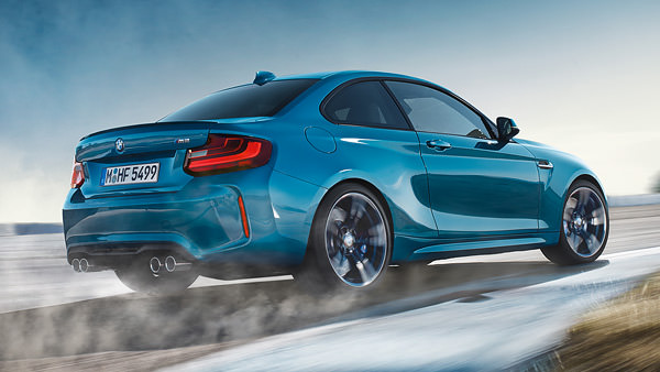 m2-driving-dynamics-7-gear-double-clutch-slide-1